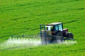 Aprovada proibição de máquinas agrícolas serem apreendidas durante a colheita