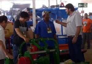 Mais de 65 expositores participaram da Feira do Cerrado e trouxeram as novidades para melhorar a qualidade da lavoura.